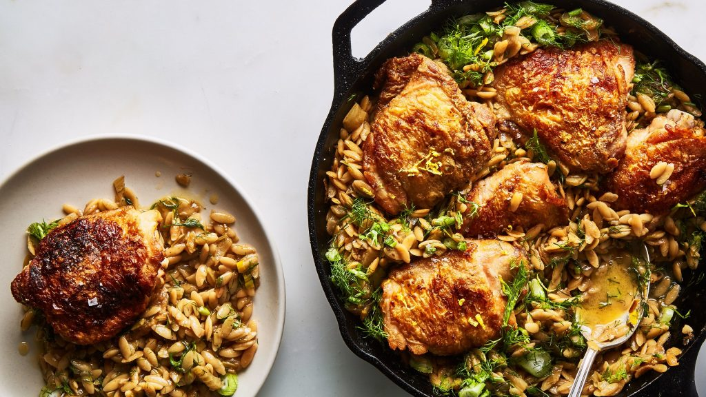 One pan, pot, skillet, dutch oven - I love only having one dish to clean after dinner! This roundup of Healthy One Dish Meals is for those that love to cook AND those that hate it! Don't settle for bad, unhealthy food - check out this list of easy to make, easier to eat, and easiest to clean Healthy One Dish Meals! | NOMaste Kitchen