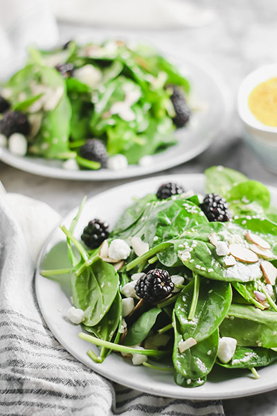 Spinach Salad with Blackberries and Almonds | NOMaste Kitchen